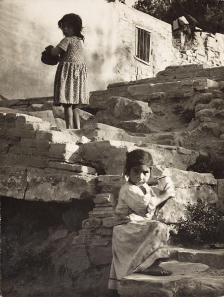 05.-J.Leonard-'Escales-del-passatge-de-la-Vinyeta'-1962-Barcelona-23,7x17,7cm