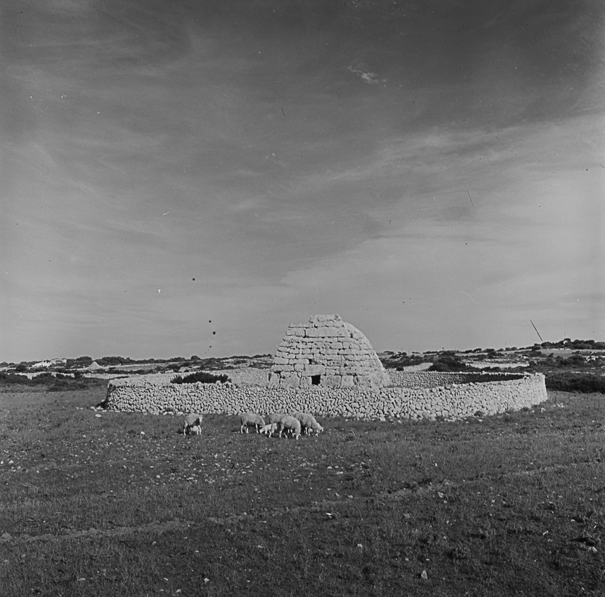 Naveta dels Tudons. Menorca, ca. 1960