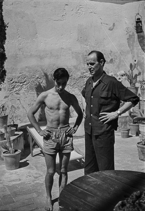 Chamaco i Alberto Puig Palau. Casa d'Alberto Puig Palau. Platja de Castell. Palamós. Girona, 1954