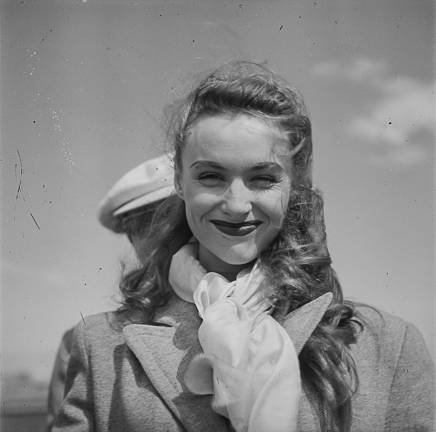 Robert Lamouret i Vicki Ross (1949-1951)